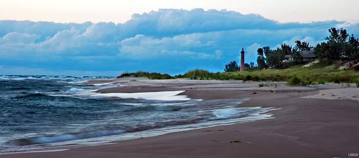 Beachscape photo via USGS/Jim Nicholas