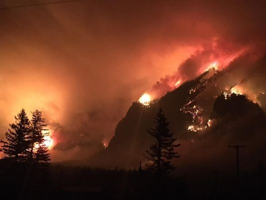 The Eagle Creek wildfire burning in the Columbia River Gorge. Credit: US Forest Service