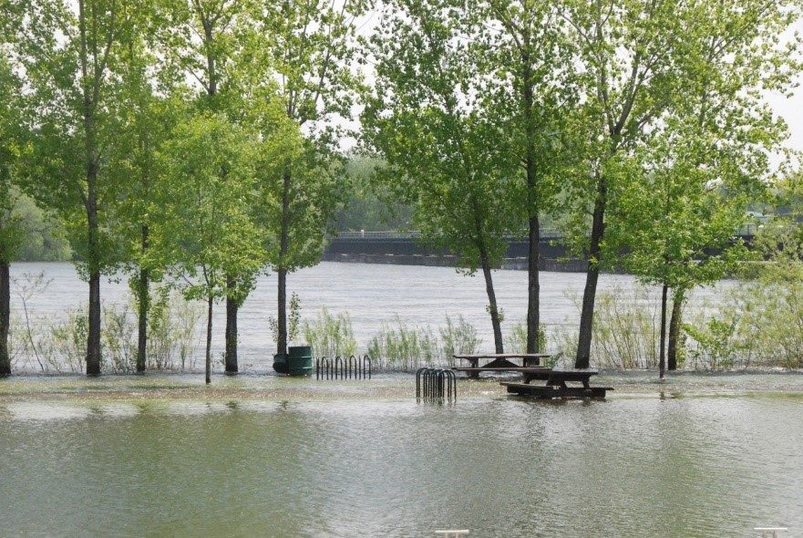 High flood waters curtail picnics in the park near Lake Champlain in 2012. Credit: IJC