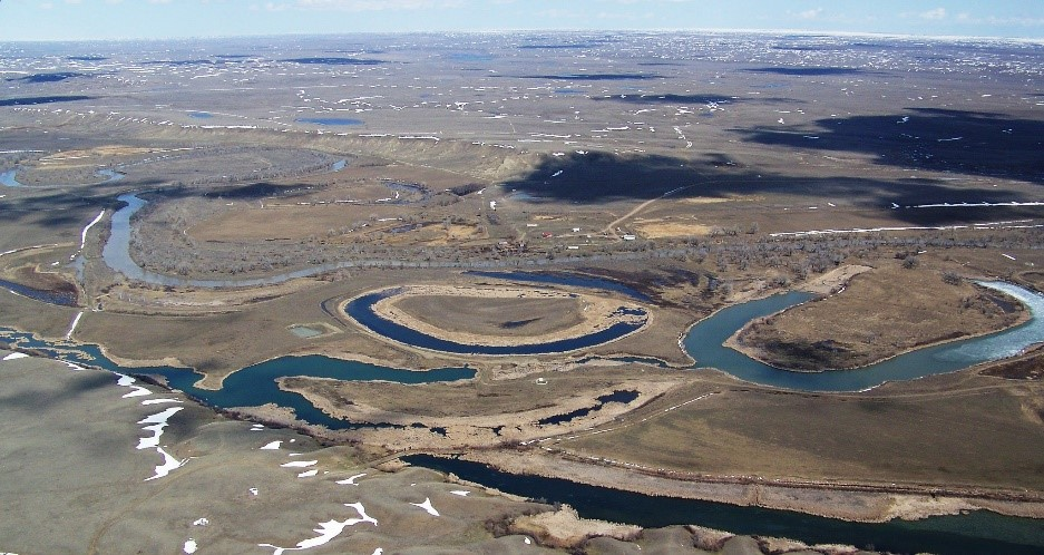 Studies updating water flow and usage for the Milk River in Alberta and Montana are important for apportioning the water between communities, farmland and wildlife. Credit: US Fish and Wildlife Service Mountain-Prairie